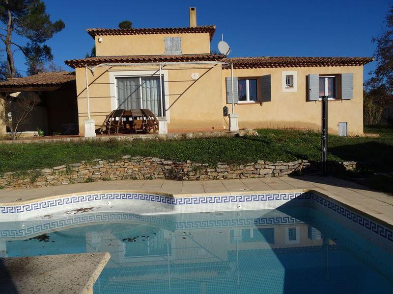 Maison saint maximin 83 piscine immojojo for Piscine st maximin