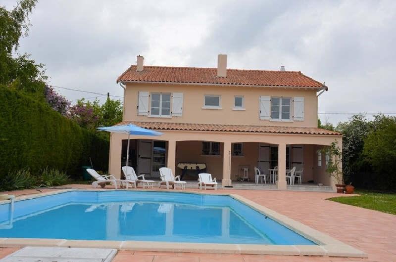 Villa m rochelle piscine immojojo for Garage ad la rochelle