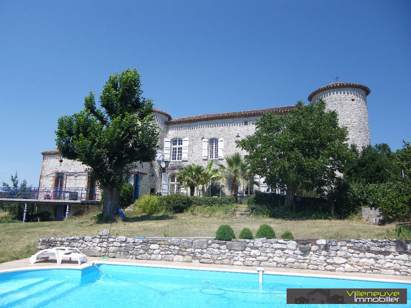 Villeneuve salle piscine immojojo for Maison villeneuve sur lot