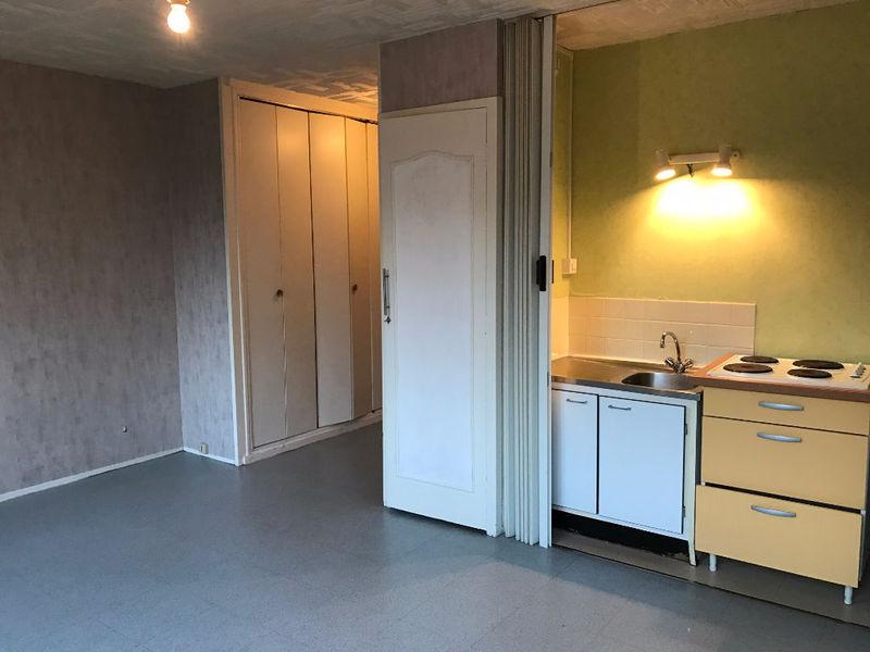location studio rouen 300 euros mois immojojo. Black Bedroom Furniture Sets. Home Design Ideas
