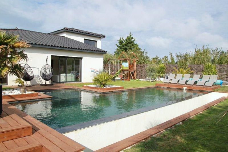 grau agde garage piscine immojojo. Black Bedroom Furniture Sets. Home Design Ideas