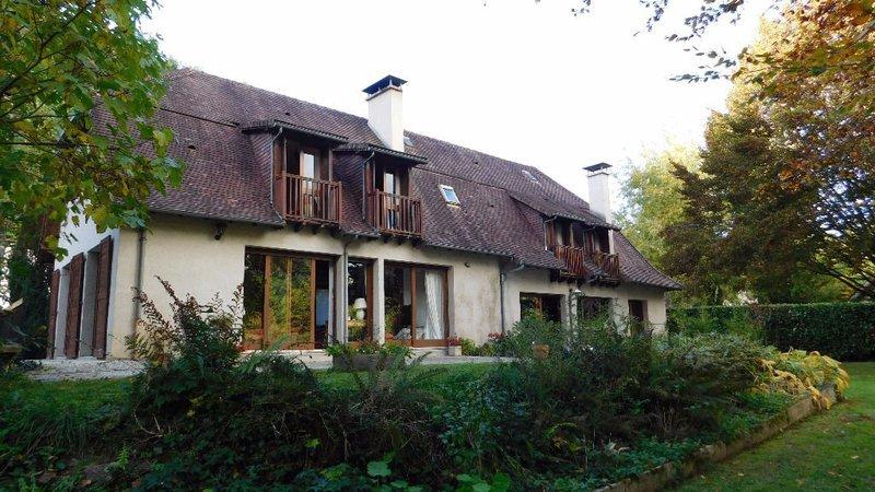 Maison, 290 m² Situé…