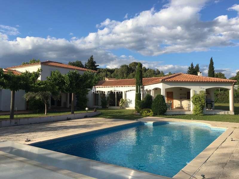 Maison provence exterieur piscine immojojo for Exterieur provencal