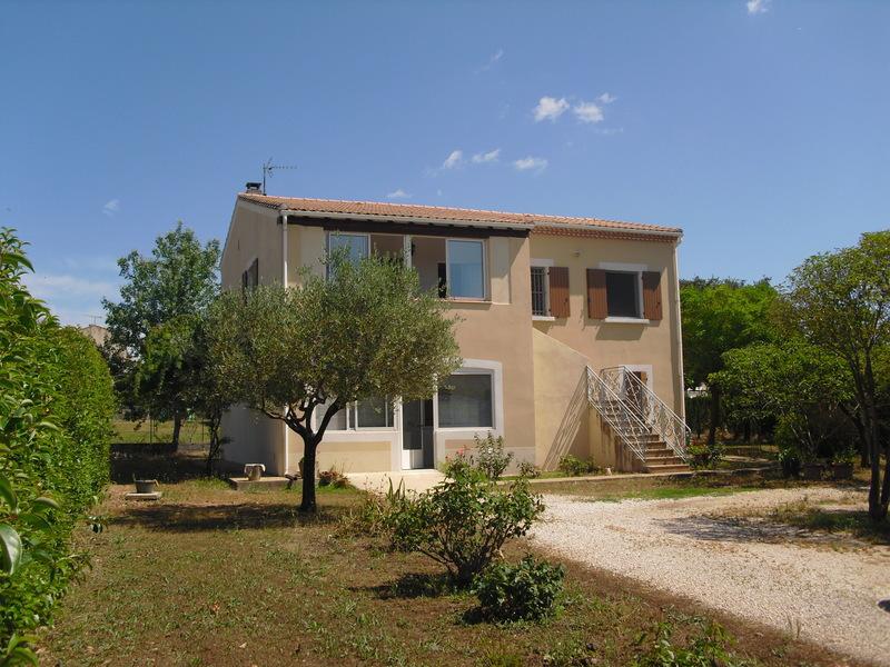 Location villa uzes immojojo for Maison moderne uzes