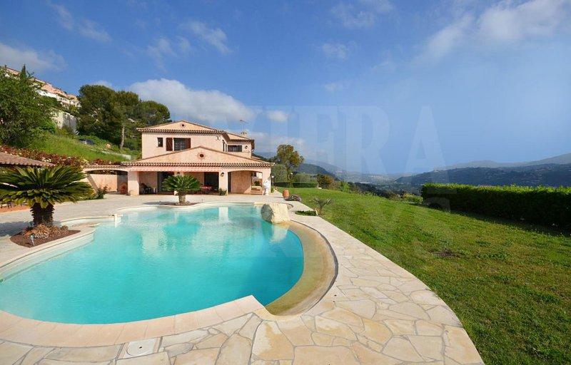 Arriere pays var piscine immojojo for Piscine 06700