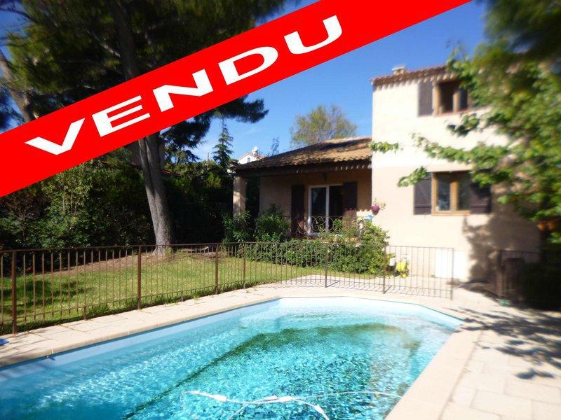 Villa mezzanine marseille piscine immojojo for Piscine 15eme