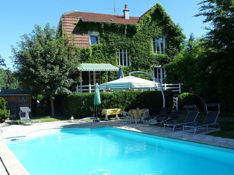 Maison ville epinal piscine immojojo for Accessoire piscine epinal