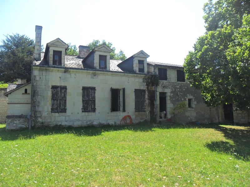 Maison troglodyte chinon immojojo for Acheter maison troglodyte