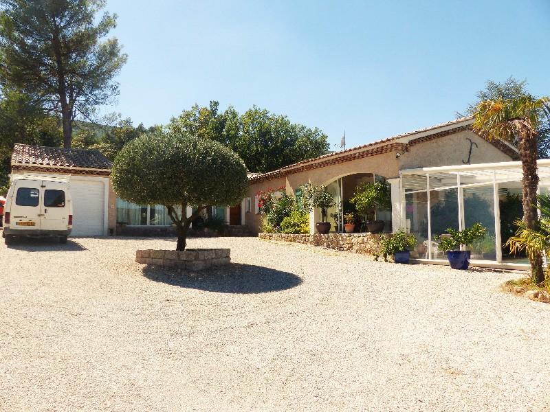 Maison celle 77 piscine immojojo for Piscine 77