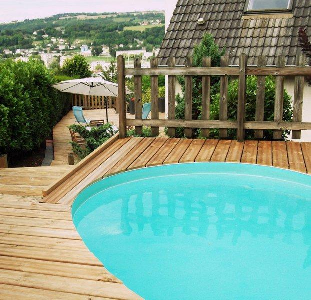 Meuble wc exterieur piscine immojojo for Piscine exterieur 93