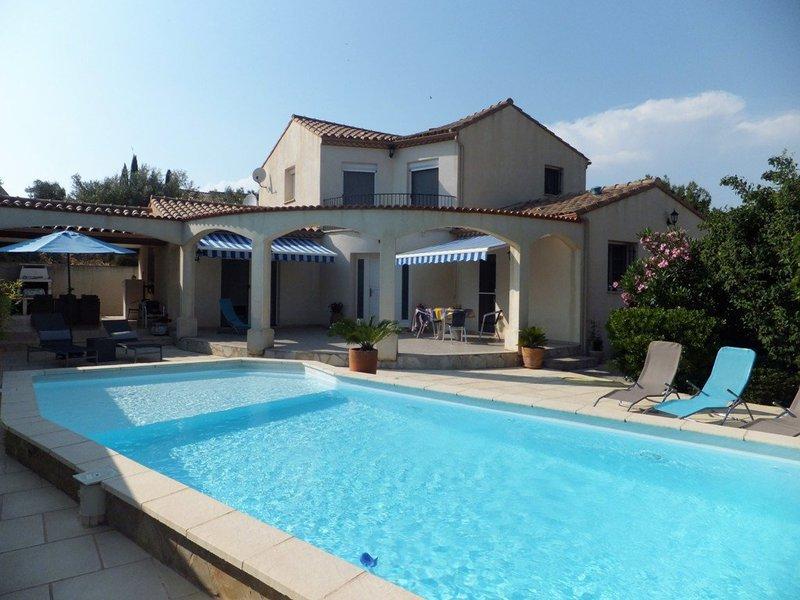 Villa vauvert piscine immojojo for Garage des canaux vauvert