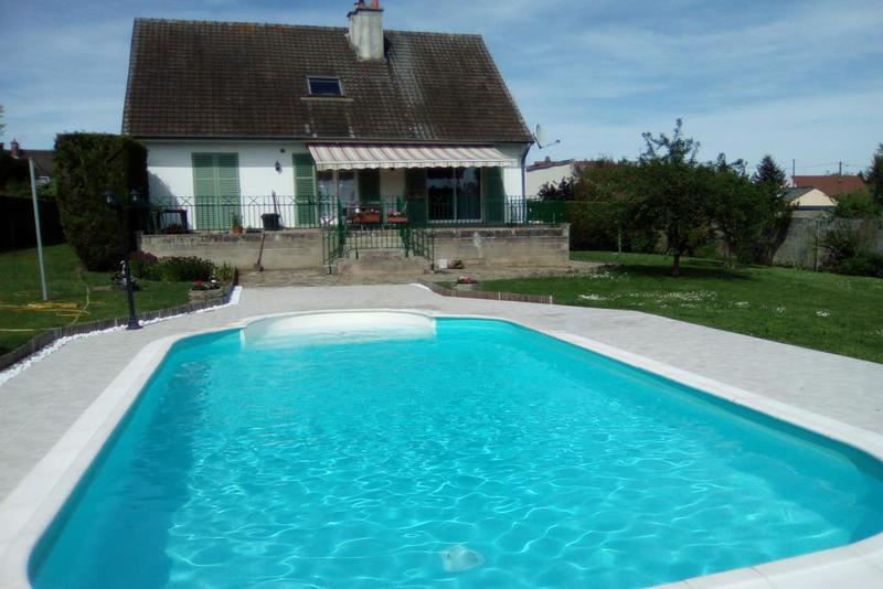 Maison chateau thierry piscine immojojo for Piscine 02400