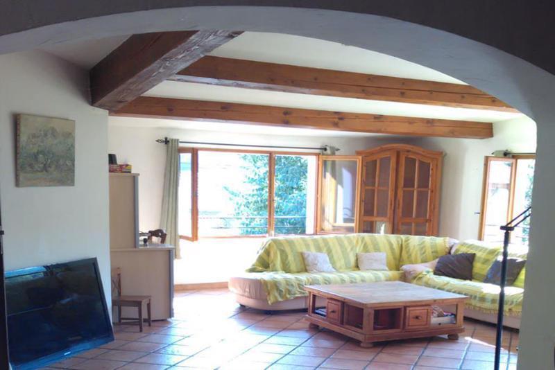 Maison divisee 3 appartements toulon immojojo for Garage a vendre toulon mourillon