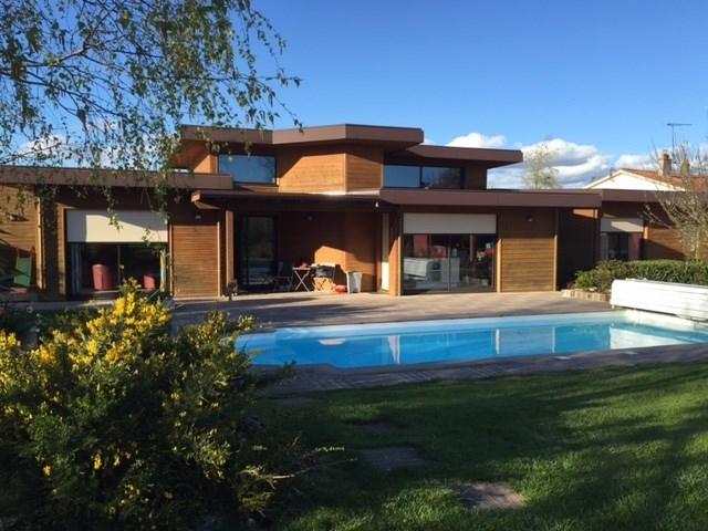 4 chemins terrasse piscine immojojo. Black Bedroom Furniture Sets. Home Design Ideas