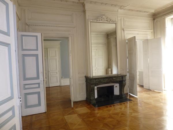 appartement ancien st etienne 42 immojojo. Black Bedroom Furniture Sets. Home Design Ideas