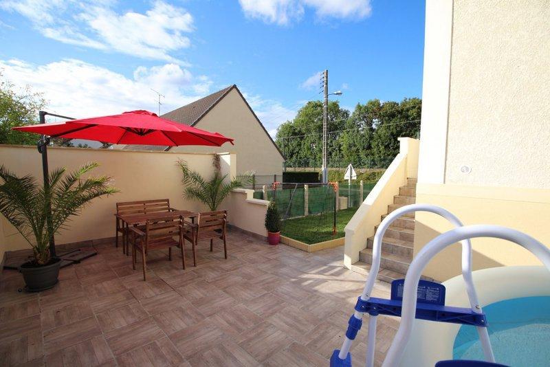 Maison franconville garage immojojo for Garage de la piscine franconville