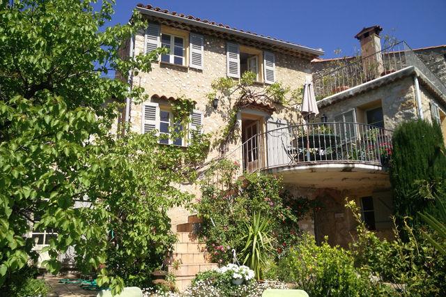 Plan petite maison 3 chambres immojojo for Constructeur maison individuelle 06530