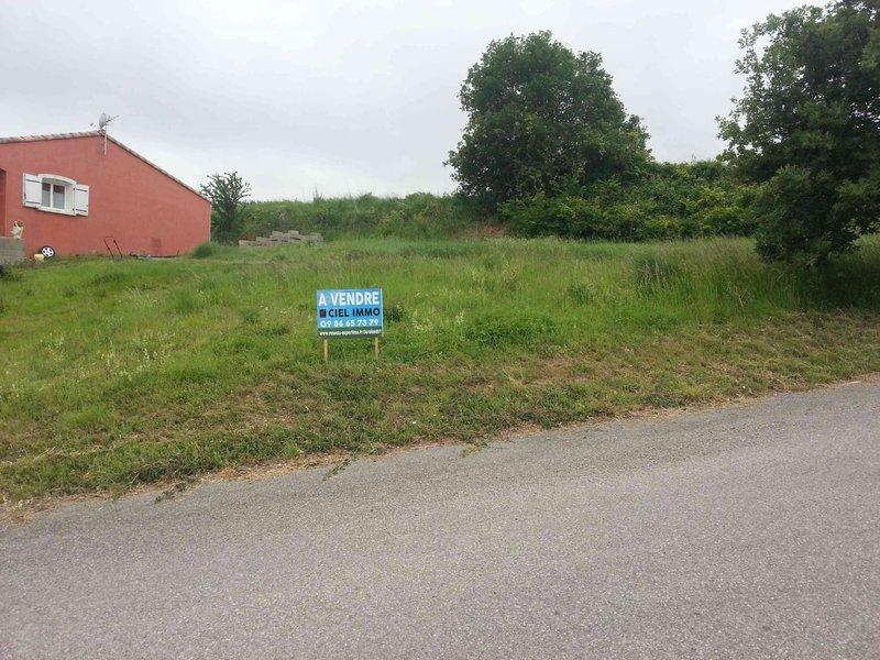 Carcassonne ancienne maison terrain immojojo for Piscine hors sol zone non constructible