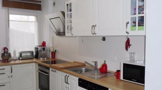 confort maison piscine meuble immojojo. Black Bedroom Furniture Sets. Home Design Ideas