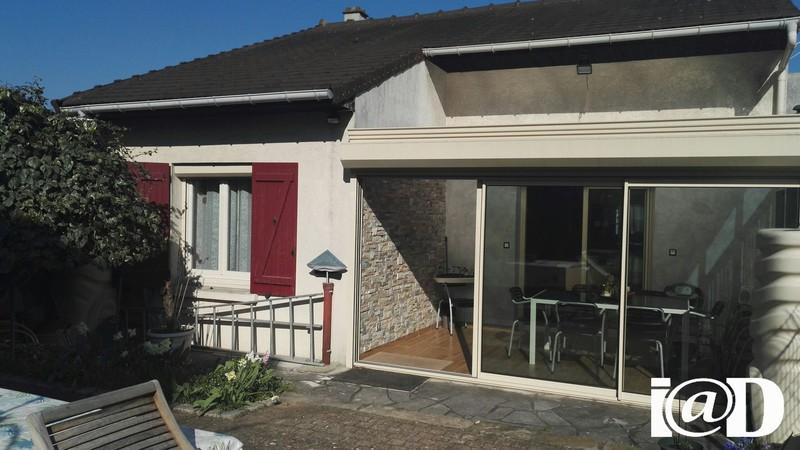 Maison veranda ouverte jardin immojojo - Abri jardin habitat et jardin vitry sur seine ...