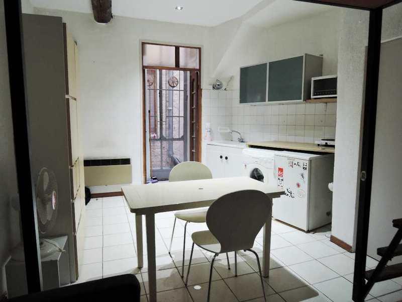 location studio montpellier centre ville particulier. Black Bedroom Furniture Sets. Home Design Ideas