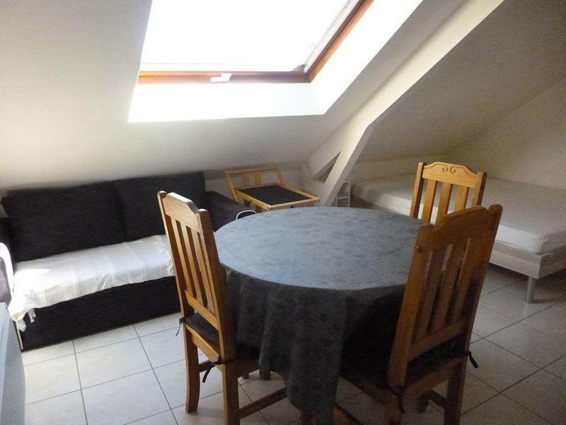 location lorient 2 pieces meuble immojojo. Black Bedroom Furniture Sets. Home Design Ideas