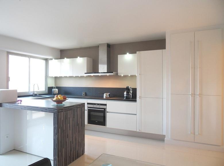 Maison meuble angers garage immojojo for Credence grande longueur