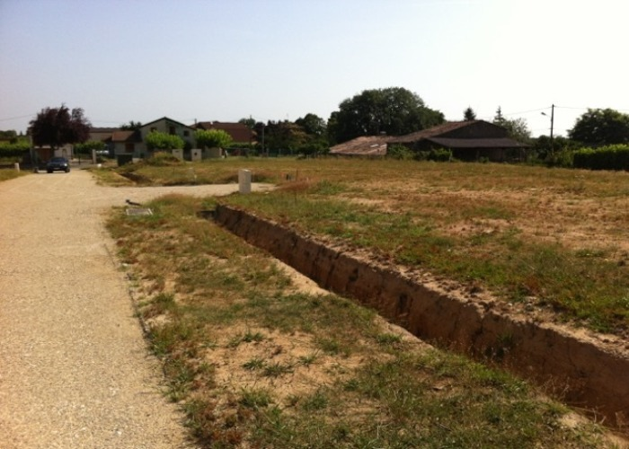 Maison terrain agricole hectares haute garonne immojojo for Container sur terrain agricole